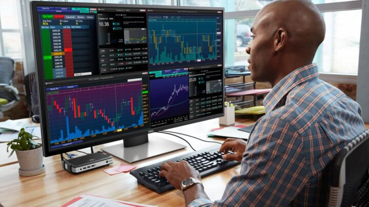 Dell's P4317Q 43-inch, 4K Monitor Can Show 4 Full HD Views at the Same Time