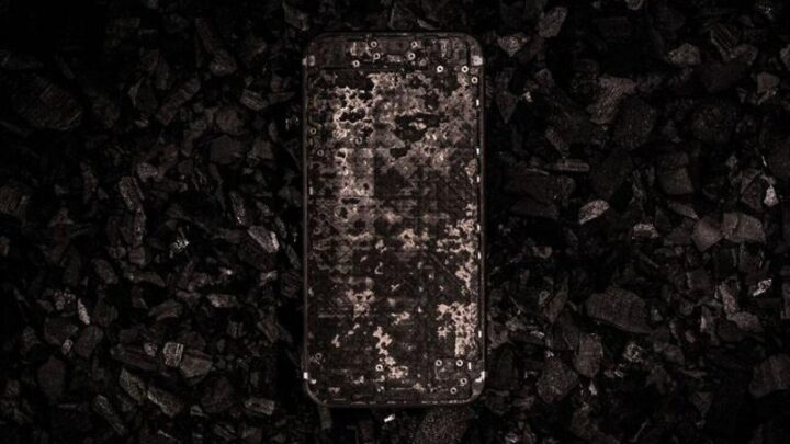 This Indestructible iPhone 7 Is Made of Carbon Fiber and Costs $17,000