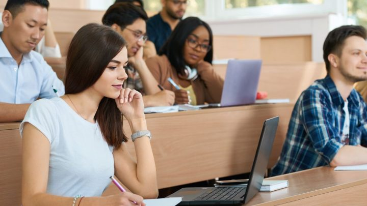 What Is the Best Laptop Size for College?