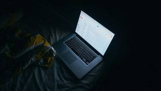how to prevent laptop from overheating in bed