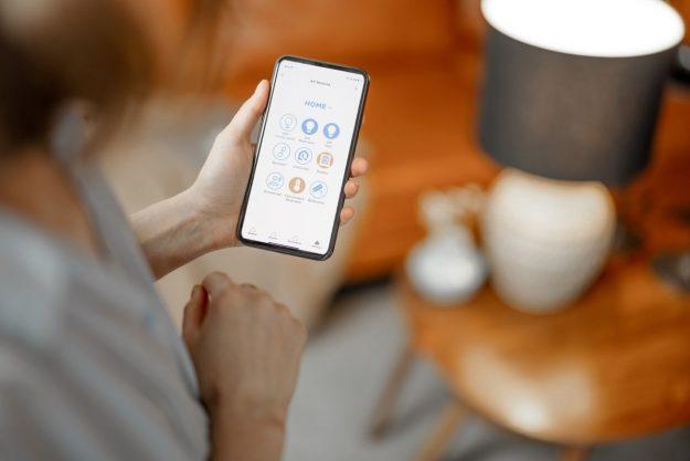 smart bulb app control